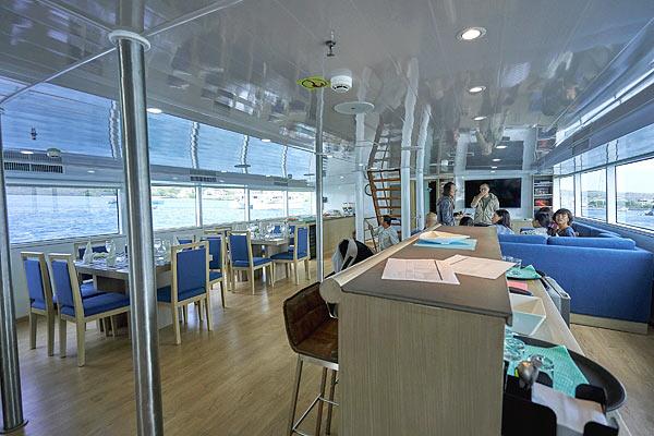 Яхта Calipso: салон кают-компании
