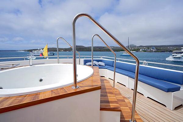 Яхта Calipso: джакузи